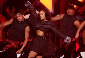 Ariana Grande em show em Manhattan, em dezembro de 2016 Foto: Andrew Kelly / REUTERS