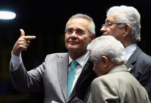 O senador Renan Calheiros (PMDB-AL) durante sessão não deliberativa no plenário do Senado Federal Foto: Jorge William / O Globo