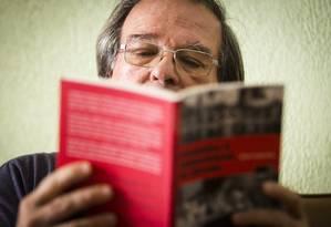 Professor Daniel Aarão Reis, que escreveu livro sobre a ditadura Foto: Fábio Seixo / Agência O Globo