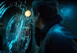 Liam Gallagher no clipe de 'Wall of glass' Foto: Reprodução