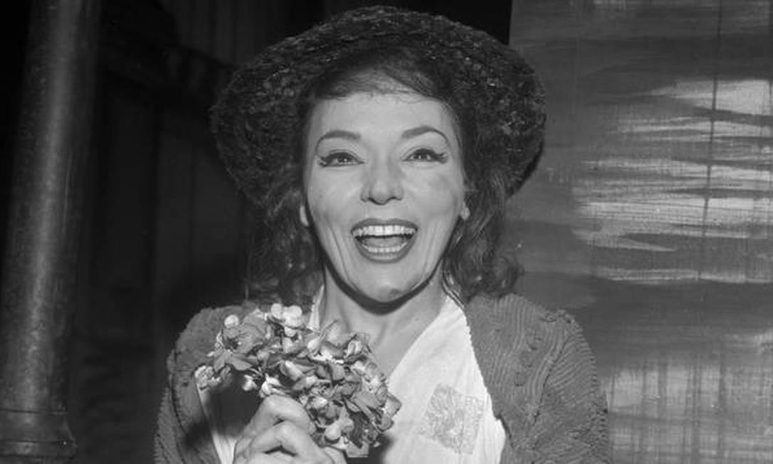 """Musical. Bibi Ferreira como Eliza Doolittle, na versão brasileira de """"My fair lady"""", sucesso na Broadway e no Brasil 17/12/1962 / Divulgação"""