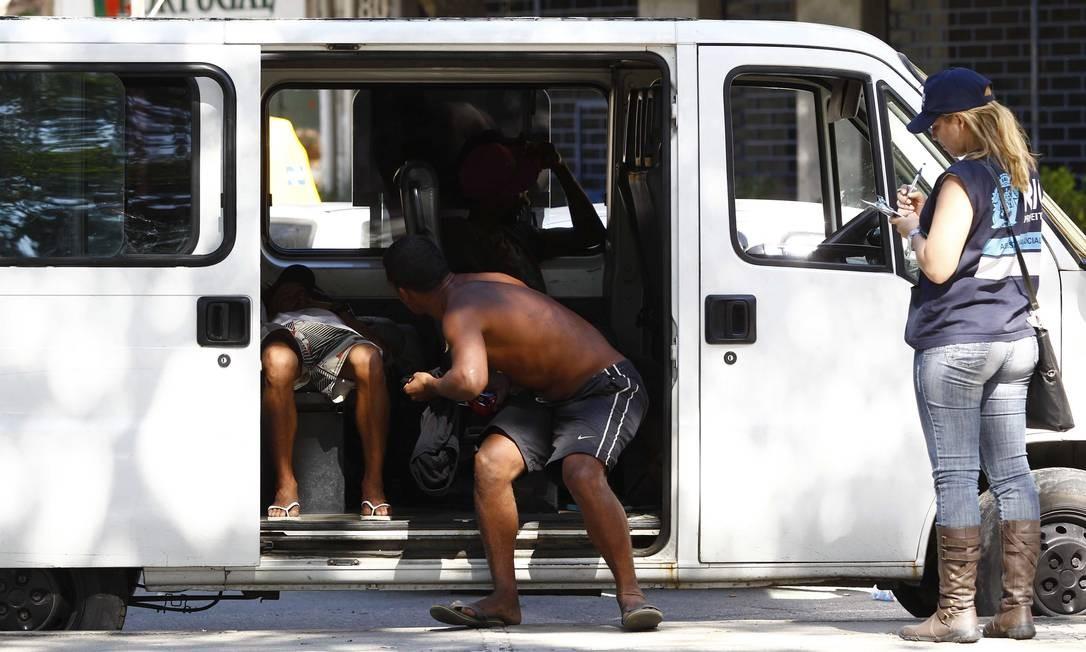 Usuários de crack são acolhidos no Morro Santo Amaro, no Catete Foto: Pablo Jacob - 21/05/2012 / Agência O Globo