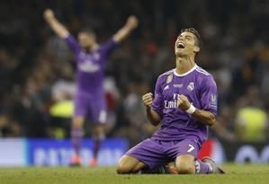 Cristiano Ronaldo comemora a conquista de mais uma Liga dos Campeões Foto: Darren Staples / REUTERS
