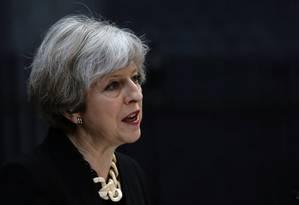 A premier britânica Theresa May discursa diante de sua residência no número 10 de Downing Street, depois do ataque ao Borough Market Foto: KEVIN COOMBS / REUTERS
