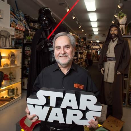 """Steve Sansweet, dono do Rancho Obi-Wan, a maior coleção privada de peças sobre """"Star Wars"""" Foto: JOSH EDELSON / AFP"""