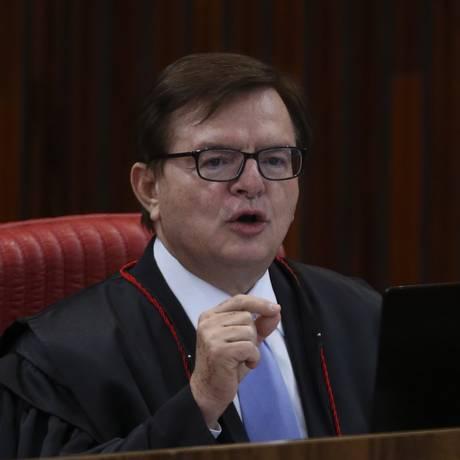 O ministro Herman Benjamin, durante julgamento da chapa Dilma-Temer no TSE Foto: Ailton Freitas / Agência O Globo
