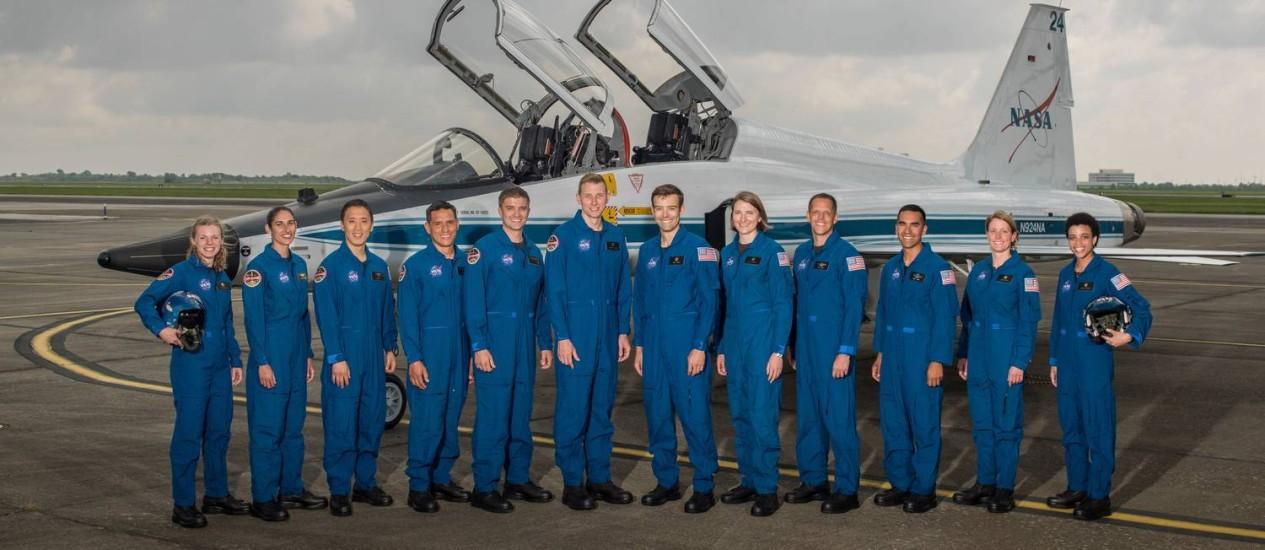 A nova turma de candidatos a astronautas da Nasa, formada por sete homens e cinco mulheres, todos com formação científica, tecnológica ou militar Foto: Robert Markowitz/ Nasa/ Johnson Space Center