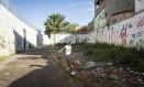 Terreno da desapropriação em frente ao corredor Foto: Fernando Lemos / Agência O Globo