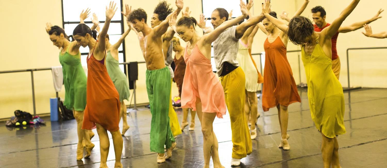 Corpo de Baile ensaia 'Carmina Burana', no Teatro Municipal Foto: Monica Imbuzeiro / Agencia O Globo