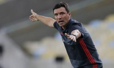 O técnico Zé Ricardo está sob pressão no Flamengo Foto: Marcelo Theobald
