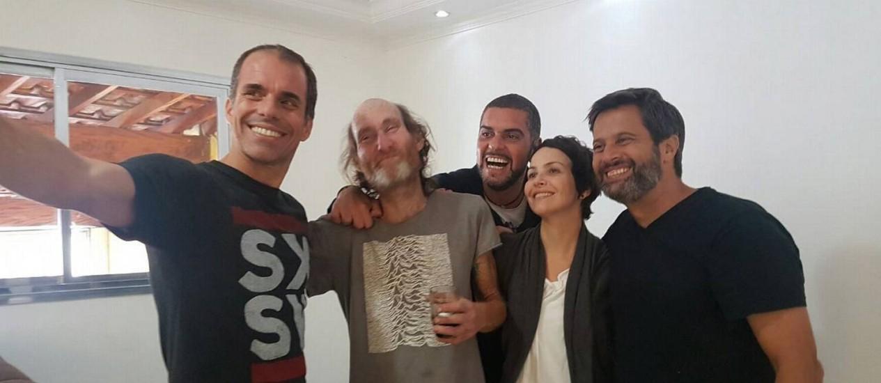 Carlos Eduardo foi resgatado por amigos de infância em cracolândia paulista. Carioca faleceu após parada cardiorrespiratória em clínica Foto: Reprodução da internet / Agência O Globo