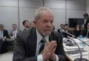 Lula, em depoimento: já são cinco os pedidos de apuração do STF Foto: Reprodução