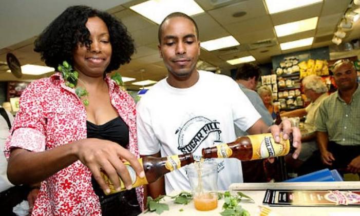 Oficina para aprender a fazer (e beber) cerveja no Harlem Foto: Reprodução/Harlem Brewing Company