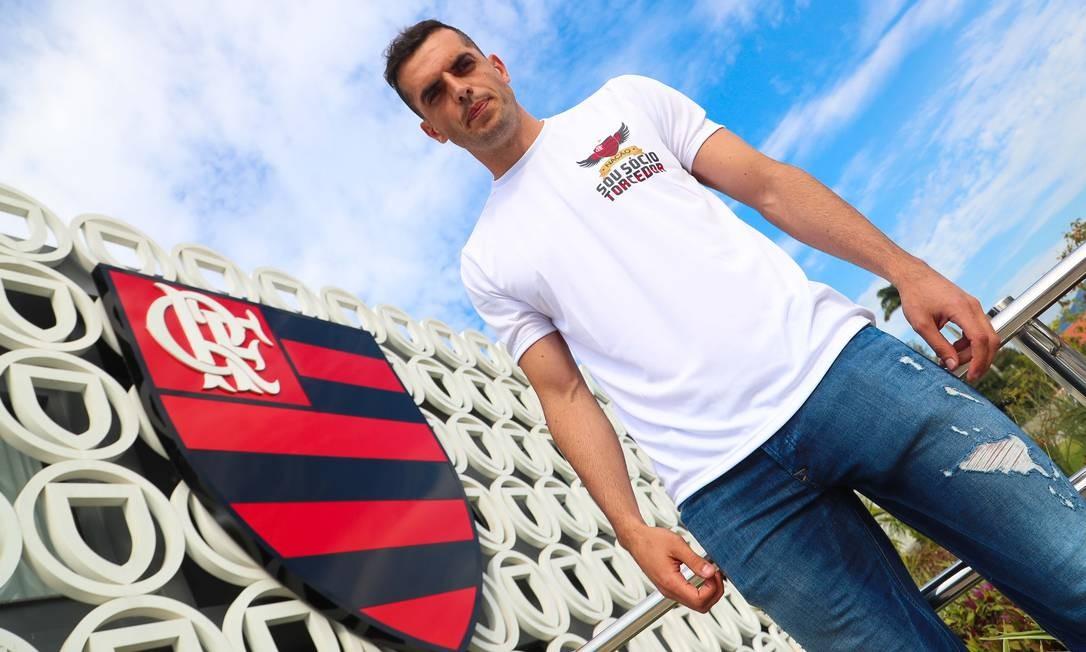 Rhodolfo foi apresentado nesta segunda-feira Foto: Gilvan de Souza/Flamengo