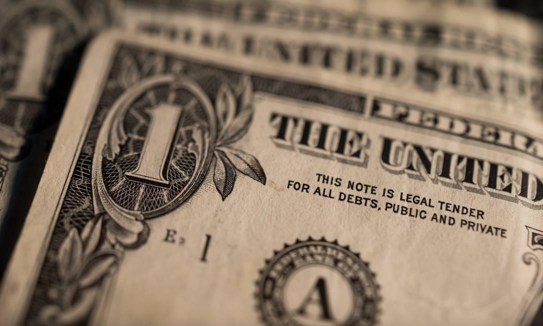 Cédula da moeda americana Foto: Ron Antonelli / Bloomberg News