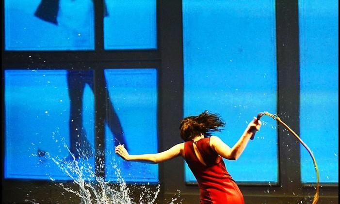 """Cena de """"A marca da água"""" Foto: Mauro Kury / Divulgação"""