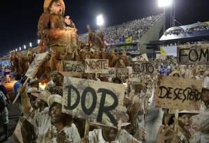Escolas de samba afirmam que, com redução de verba, fica inviável desfilar em 2018 Foto: Ana Branco / Agência O Globo