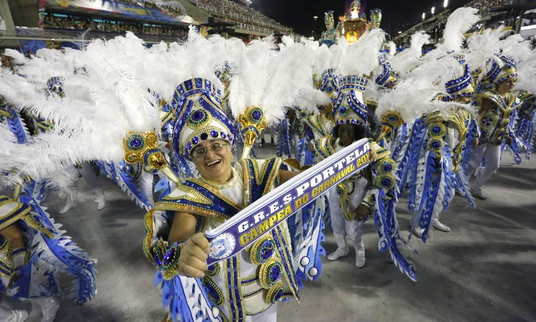 Escolas de samba afirmam que, com redução de verba, fica inviável desfilar em 2018 Foto: Fábio Rossi / Agência O Globo