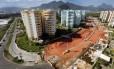 Na Vila do Pan, ruas no entorno de prédios afundaram: obra de recuperação está parada desde 2016