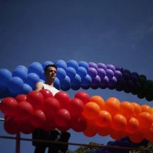 Parada LGBT acontece nesse domingo na capital paulista animada por 19 trios elétricos Foto: Marcos Alves / Agência O Globo