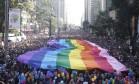 Parada Gay na Avenida Paulista neste domingo Foto: Marcos Alves / Agência O Globo