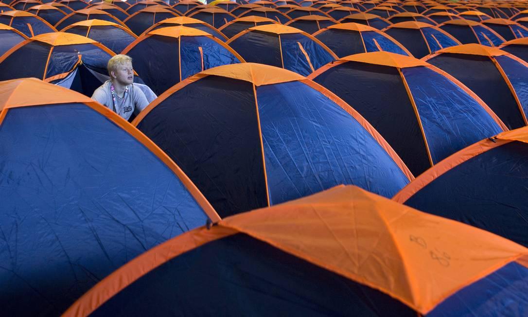 Campuseiros: cerca de cinco mil participantes se inscreveram para acampar no centro de convenções durante os dias de feira Michel Filho / Agência O Globo