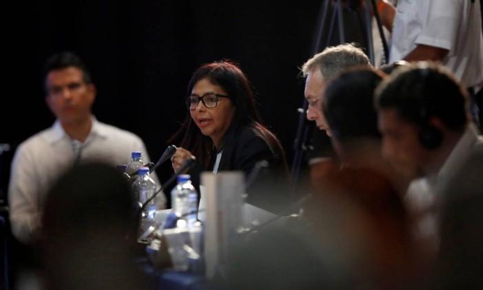 Delcy Rodriguez se pronuncia contra a OEA durante encontro de chanceleres Foto: CARLOS JASSO / REUTERS