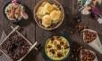 Em sentido horário: arroz doce integral; pão de queijo de tapioca; cocada integral; sopa de milho com presunto serrano crocante e crouton de tapioca; e snack de grão de bico Foto: Tomas Rangel / Divulgação