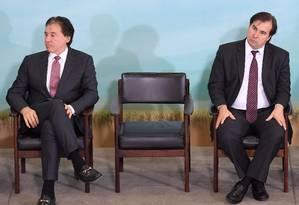 Os presidentes do Senado, Eunício Oliveira, e da Câmara, Rodrigo Maia Foto: Evaristo Sá / AFP / 7-6-17