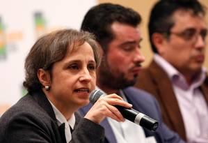 Represálias constantes. A jornalista Carmen Aristegui fala em conferência sobre direitos humanos na Cidade do México: sua equipe vem sendo Foto: REUTERS