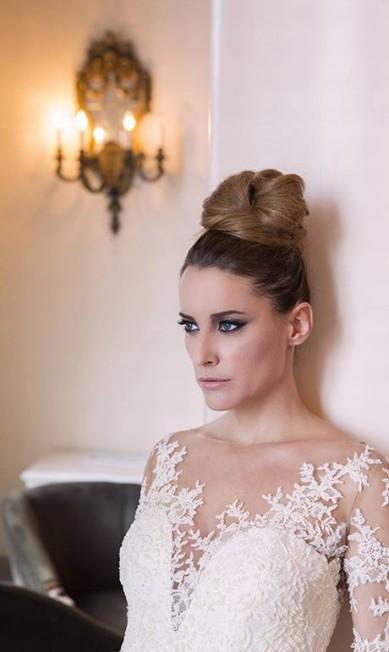O vídeo do editorial, produzido pela Oui Filmes, e as fotos foram exibidos esta semana em Portugal no WeddingLab Rio Lisboa, onde Fernando Torquatto lançou seu site para noivas Vestido Morena Andrade Atelier