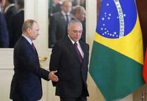 O presidente russo Vladimir Putin, e o presidente brasileiro Michel Temer no Kremlin, em Moscou, na Russia Foto: Sergei Chirikov / AP