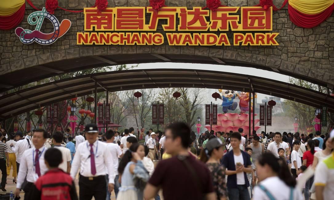 País mais populoso do mundo atualmente, com 1,4 bilhão de habitantes, China deverá perder o posto para a Índia em 2024 Foto: Mark Schiefelbein / AP/Mark Schiefelbein