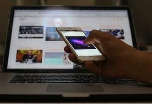Na América Latina e Caribe, apenas 49% da população tem acesso à internet Foto: Arquivo