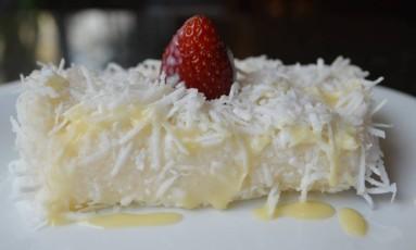 O restaurante Nossa Família Gourmet tem cuscuz de tapioca em seu bufê de sobremesas. A partir de R$ 54,90 o quilo Foto: Divulgação / Divulgação
