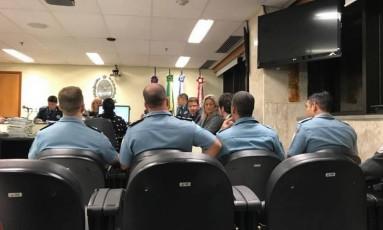 Os policiais durante a audiência na Auditoria Militar Foto: Luã Marinatto / Agência O Globo