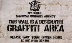 """Muro """"liberado"""" para grafite por Banksy Foto: Reprodução"""
