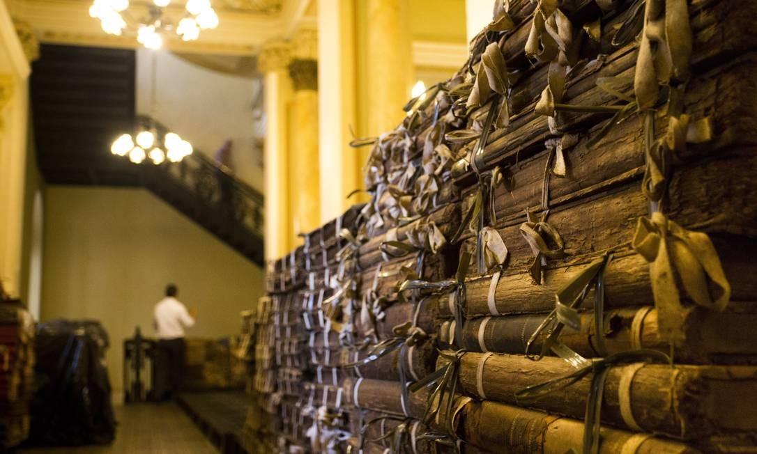Os arquivos da Biblioteca Nacional estão em local provisório durante obras de reforma Foto: Monica Imbuzeiro / Agência O Globo