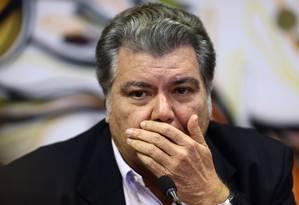O ministro do Meio Ambiente, Sarney Filho, em entrevista coletiva neste sábado Foto: Jorge William / Agência O Globo