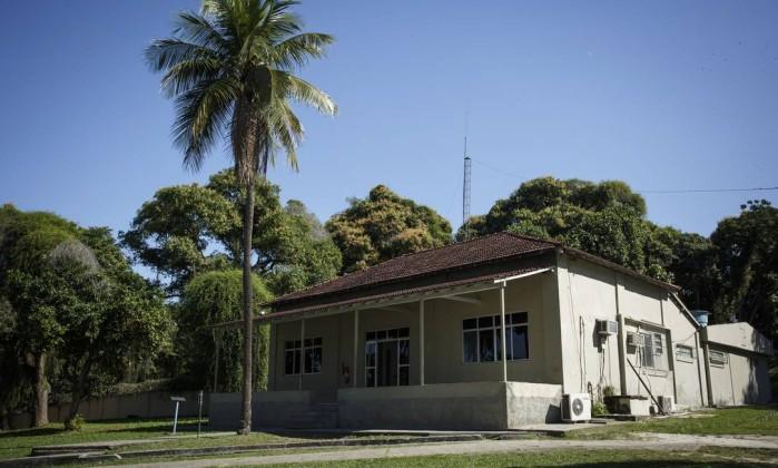 Resultado de imagem para lima barreto  ilha do governador
