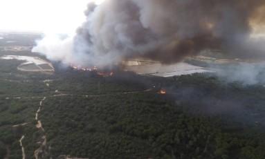 Imagem do alto do parque de Doñana, na Espanha, durante o incêndio Foto: AP