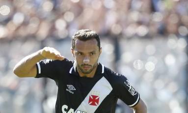 Nenê comemora o gol do Vasco, marcado no primeiro tempo Foto: ANTONIO SCORZA / Agência O Globo