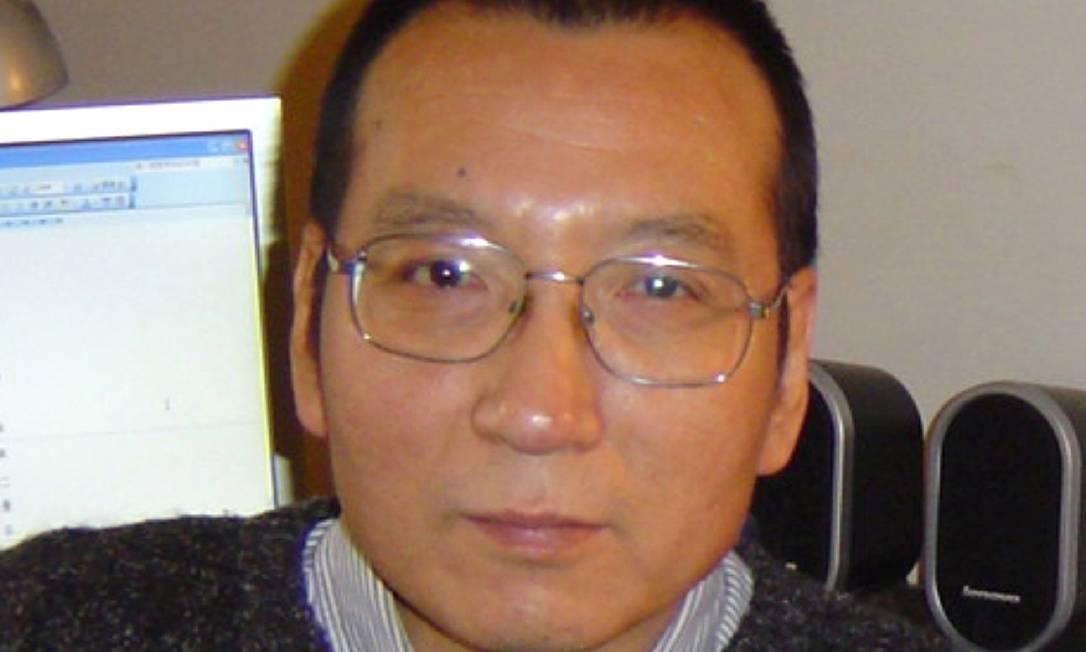 China liberta Liu Xiaobo, Nobel da Paz diagnosticado com câncer