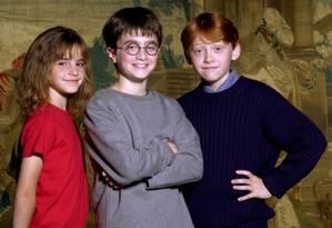 Antes do lançamento do primeiro filme da série - e primeiro filme da carreira de Emma - o mundo conheceu a menina que ia viver Hermione Granger em nove longas, até 2011. Aqui, o estilo infantil, como deveria ser, a inglesinha, na época com dez anos, em 2000 Foto: Warner Bros / Terry O'Neill