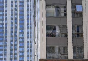 Cerca de 600 aparamentos na Inglaterra têm o mesmo revestimento que o da Grenfell Tower Foto: JUSTIN TALLIS / AFP