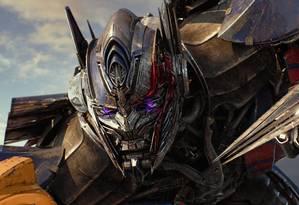 Optimus Prime em cena de 'Transformers: O último cavaleiro' Foto: Bay Films / AP