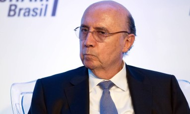 Ministro da Fazenda, Henrique Meirelles diz que governo federal não abrirá mão de teto de gastos para o estado do Rio Foto: Edilson Dantas / Agência O Globo