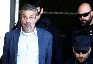 O ex-ministro Antonio Palocci, após ser preso, em Curitiba Foto: Rodolfo Buhrer / Reuters/26-09-16