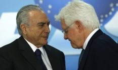 O presidente Michel Temer e o ministro Moreira Franco Foto: Jorge William / Agência O Globo / 29-11-16