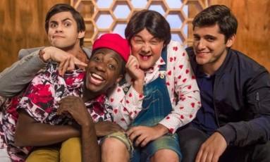 Lucas Veloso (Didico), Bruno Gissoni (Dedeco), Mumuzinho (Mumu) e Gui Santana (Zaca) interpretam personagens inspirados nos Trapalhões originais Foto: Divulgação